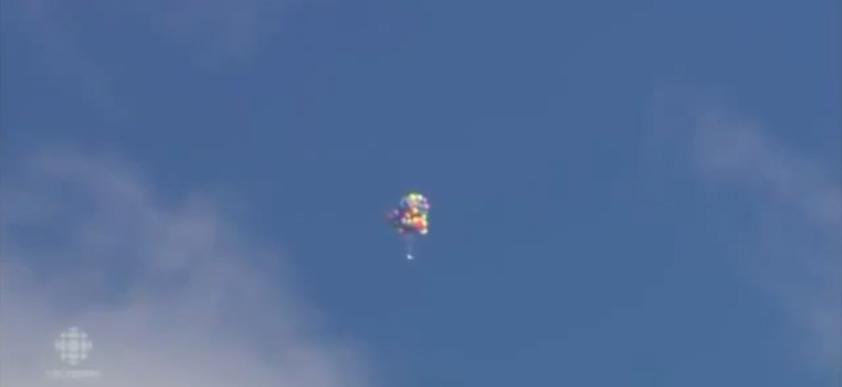 Calgary Balloon Man Flies Helium Powered Lawn Chair