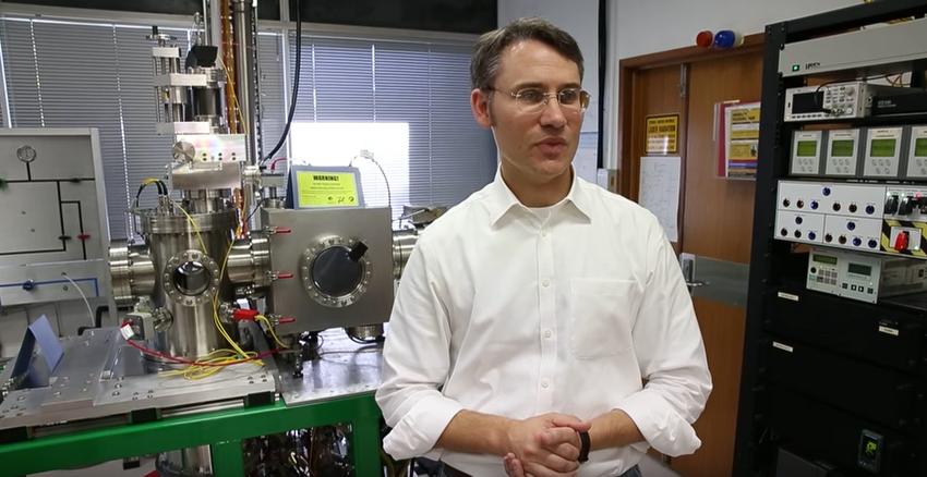 Helium microscope studies samples without damaging them Paul Dastoor